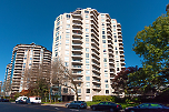 Riveria Mansion: 1605 - 1185 Quayside Drive